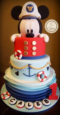 Ideas for birthday cake ideas fondant baby shower Bolo Da Minnie Mouse, Mickey And Minnie Cake, Bolo Mickey, Mickey Cakes, Mickey Mouse Baby Shower, Mickey Mouse 1st Birthday, Fondant Baby, Cake Fondant, Baby Cakes