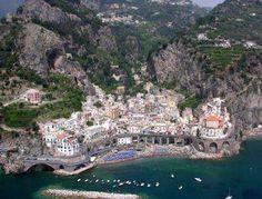 Costiera amalfitana Positano, Atrani Italy, Space Place, Visit Italy, Amalfi Coast, Sicily, Italy Travel, Places Ive Been, Paths