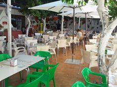 Patio Cordobés para comer en Córdoba en Restaurantes Tabernas en Córdoba Sociedad Plateros Mª Auxiliadora abierto todo el año para comuniones, bautizos, www.sociedadplateros.com.JPG
