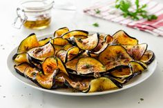Melanzane alle acciughe Food Therapy, Food Is Fuel, Slimming World Recipes, Clean Recipes, Ratatouille, Fett, I Love Food, Finger Foods, Italian Recipes