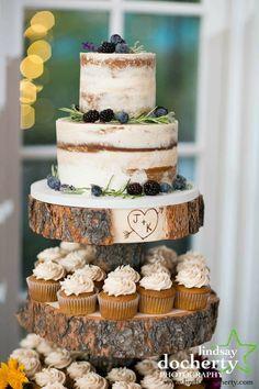 5 Tips for Choosing a Wedding Cake Rustic naked buttercream cake by Bella Manse Wedding Cake Design Small Wedding Cakes, Wedding Cake Rustic, Wedding Cakes With Cupcakes, Wedding Cake Designs, Cupcake Cakes, Elegant Wedding, Rustic Cake, Rustic Weddings, Rustic Cupcakes