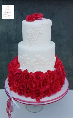 Roses are red my love ... - cake by Judith-JEtaarten