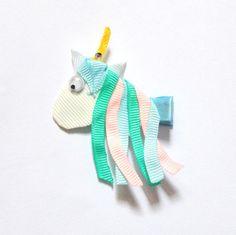 Barrette cheveux la licorne en ruban pour enfants : Accessoires coiffure par croc-o-barrettes-et-compagnie
