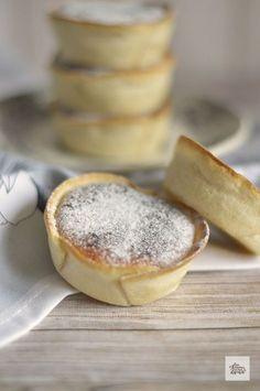 Sighs of Lovers - Minis postres - Recetas Spanish Desserts, Mini Desserts, Croissants, Individual Cakes, Muffins, Cupcakes, Mini Cakes, Cookies, Pop Tarts