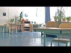 Pour plus d'informations sur l'aménagement d'une classe basée sur l'autonomie des enfants et utilisant le matériel didactique de Maria Montessori, voir l'art...