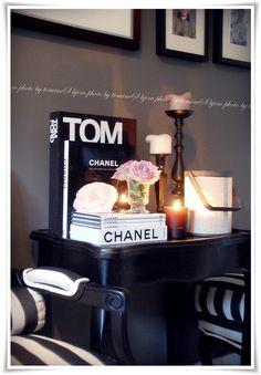 books, dressing room styling.