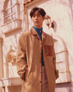 Yugyeom, Youngjae, Boy Fashion, Mens Fashion, Got7 Mark Tuan, Airport Style, Jinyoung, Raincoat, Handsome