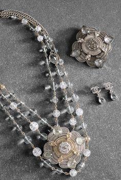 Collier en métal orné de détails en... - CHANEL