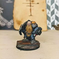 Bregan - the oldest member of the Men of Orlock mercenaries, calm and steadfast. Lived as a farm hand on the feudal world of Orlock prior… The Grim, Dwarf, Warhammer 40k, Squats, Lion Sculpture, Old Things, Statue, Fig, Traveling