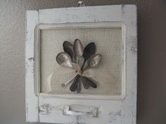 Vintage Windows DIY Project Inspiration -- An idea for what we could do with wedding cutlery. Diy Projects To Try, Craft Projects, Diys, Spoon Art, Diy Shows, Vintage Windows, Old Doors, Decoration, Diy And Crafts