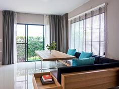 4 Things to Look After When Buying Custom Blinds Online Types Of Blinds, Types Of Curtains, House Blinds, Blinds For Windows, Window Blinds, Beautiful Blinds, Multi Luminaire, Motorized Blinds, Blinds Online