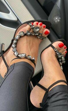 Sexy Legs And Heels, Sexy High Heels, High Heels Stilettos, Peep Toes, Teen Feet, Nylons Heels, Sexy Sandals, Cute Toes, Gorgeous Heels