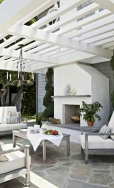 Ideas for Outdoor Living Spaces Elegant all-white outdoor living room with whitewashed wood furniture below the slatted pergola.Elegant all-white outdoor living room with whitewashed wood furniture below the slatted pergola. Outdoor Areas, Outdoor Rooms, Outdoor Decor, Outdoor Patios, Outdoor Seating, Outdoor Living Spaces, Living Area, Rustic Outdoor, Outdoor Kitchens