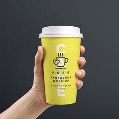 Mockup Vaso café mano