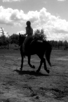 Love summer ridding, when I get the money, and I'm living on my own, ill buy a couple of horses.