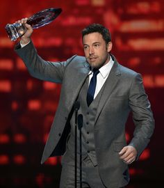 Ben Affleck's Delivers Touching Acceptance Speech for Favorite Humanitarian