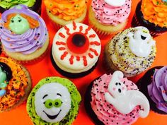 Halloween cupcakes!  Visit Omg! Cupcakes at www.facebook.com/OmgCupcakesGP Halloween Cupcakes, Facebook, Desserts, Food, Tailgate Desserts, Deserts, Essen, Postres, Meals