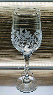 Gravírovaná váza / kikaso - SAShE.sk - Handmade Dekorácie Glass Engraving, Wine Glass, Tableware, Handmade, Dinnerware, Hand Made, Tablewares, Dishes, Place Settings