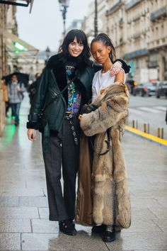 Models Cristina Piccone, Adesuwa Aighewi on January 2018 in Paris, France. Cris wears all-black - a shearling leather bomber jacket, band-tshirt, patterned pants. Adesuwa wears a long fur coat Street Style 2018, Model Street Style, Street Chic, Fur Fashion, Fashion Outfits, Long Fur Coat, Wearing All Black, Couture Week, Fall Looks