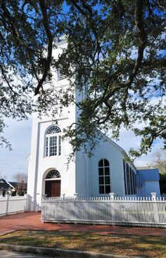 Old Christ Church, 1832, Pensacola, FL   -----It's About Time: Road Trip - Simple Old American Churches