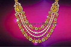 Latest Collection of best Indian Jewellery Designs. Bridal Jewelry, Jewelry Art, Gold Jewelry, Jewelery, Indian Jewellery Design, Indian Jewelry, Jewellery Designs, 22 Carat Gold, Touch Of Gold