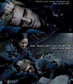 Katniss Everdeen & Peeta Mellark. The Hunger Games - La Révolte ( Partie 2 ). Jennifer Lawrence & Josh Hutcherson