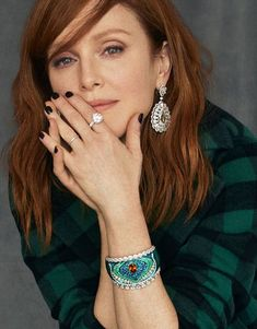 Julianne Moore, Chopard Earrings, Celebrity Faces, Jessica Chastain, Tips Belleza, Fall Looks, Girl Crushes, Redheads, Red Hair