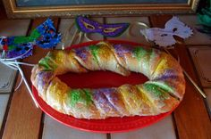 King Cake - traditional recipe from New Orleans Mardi Gras (Fat Tuesday)