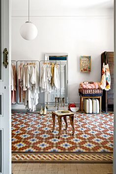 sfgirlbybay / bohemian modern style from a san francisco girl Home Living, Living Spaces, Home Interior Design, Interior And Exterior, Gravity Home, Style Deco, Architectural Digest, Tile Patterns, Sweet Home