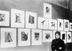 Anonyme, Tina Modotti dans son exposition à la bibliothèque nationale de Mexico, décembre 1929