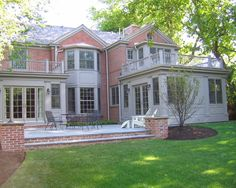 Traditional Exterior Brick Design, Pictures, Remodel, Decor and Ideas - page 3 Brick House Designs, Brick Design, Patio Design, Exterior Design, Exterior Paint, Exterior Trim, Exterior Colors, Red Brick Exteriors, House Exteriors