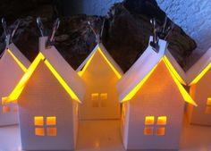 papieren huisjes met led-waxinelichtje  zo sfeervol