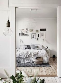 7 Beautiful Cool Ideas: Minimalist Home Ideas Kitchens minimalist interior home lamps.Minimalist Bedroom Interior Black And White vintage minimalist bedroom home.Minimalist Home Tips Simple Living. Minimalist Interior, Minimalist Bedroom, Minimalist Decor, Minimalist Kitchen, Modern Bedroom, Contemporary Bedroom, Minimalist Makeup, Bedroom Neutral, Minimalist Office