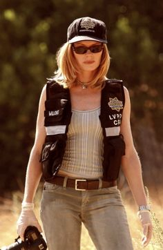 Marg Helgenberger alias Catherine Willows (CSI: Crime Scene Investigation)