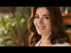 Nigella Lucy Lawson (born 6 January is an English journalist, broadcaster, television personality, gourmet, and food writer. Popular People, Famous People, Nigella Lawson, English, Music, Youtube, Musica, Musik, Muziek
