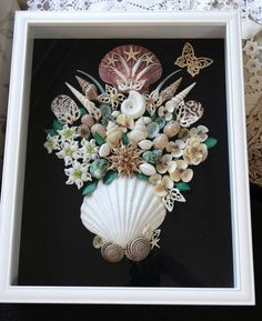 HANDMADE  SEASHELL SHADOW BOX IVORY & WH  BROWN SHELLS  FLOWERS  COLLECTABE ART