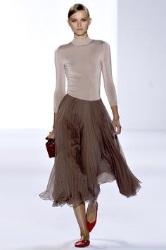 chloé spring 2011 ballerina chic. love the neutral palette with the blood red accents.