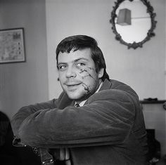 English actor Oliver Reed - appears with his face scratched, as a result of a brawl in a pub, UK, April 1964 License Oliver Reed, Men Celebrities, Celebs, Hard Men, Great Films, Man In Love, Classic Movies, No One Loves Me, First Love
