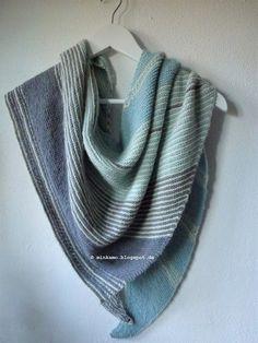 Strickschal Drachenfels / Dreieckstuch knitted shawl Drachenfels Design/Pattern Melanie Berg