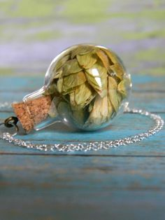 Hand blown glass orb stuffed with dried hops. Beer Crafts, Craft Beer, Beer Brewing, Home Brewing, Gifts For Beer Lovers, Beer Snob, Beer Tasting, Brew Pub, Beer Recipes