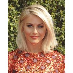 Julianne Hough At Arrivals For 2015 Primetime Creative Arts Emmys Canvas Art - (16 x 20)
