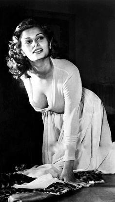 Risultato immagine per Sophia Loren Porn Uncensored Vintage Hollywood, Hollywood Glamour, Hollywood Stars, Hollywood Actresses, Classic Hollywood, Actors & Actresses, Loren Sofia, Divas, Stella Stevens