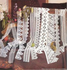 Crochet lace edging, so beautiful to look at and enjoy visually... Plethora of charts! (Written patterns are in Russian)