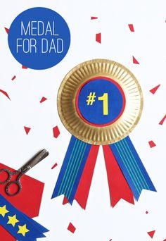 Easy kids DIY colorful medal of honor for Father's Day using a free printable via @PagingSupermom.com.com.com