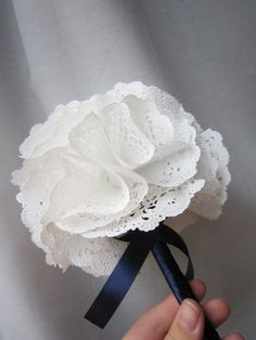 """Doily Bouquet """"Practically perfect Paper doily bouquet by Myhaleygirl on Etsy"""", """"Paper doily bouquet cute for the flower girl"""", """"Paper doily bouquet, Paper Doily Crafts, Doily Art, Doilies Crafts, Paper Doilies, Paper Lace, Flower Crafts, Diy Paper, Handmade Flowers, Diy Flowers"""