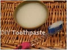 Make Your Own Baking Soda and Coconut Oil Toothpaste / http://www.healthextremist.com/make-your-own-baking-soda-and-coconut-oil-toothpaste/