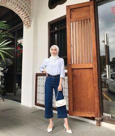 Stylish Hijab, Modest Fashion Hijab, Modern Hijab Fashion, Street Hijab Fashion, Casual Hijab Outfit, Hijab Fashion Inspiration, Muslim Fashion, Ootd Fashion, Ootd Hijab