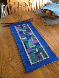 use toni fabric for a design of squares for [proportions J Meetze Studio/Common Threads: Recent Weaving Weaving Designs, Weaving Projects, Weaving Art, Tapestry Weaving, Loom Weaving, Hand Weaving, Contemporary Tapestries, Rug Inspiration, Woven Scarves
