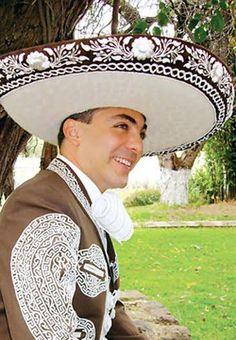 Cristian Castro Booking | NR artistas | Fechas Disponibles nramirez@nrartistas.com Tel: +52 (55) 52.64.70.94 Ext.103