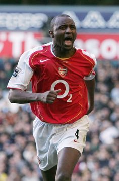 Arsenal Wallpapers, Patrick Vieira, Manchester United Players, Vintage Football, Arsenal Fc, Great Team, Ac Milan, Chelsea, Soccer